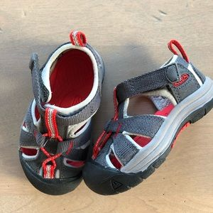 Keen toddler water shoes!  Like new condition!